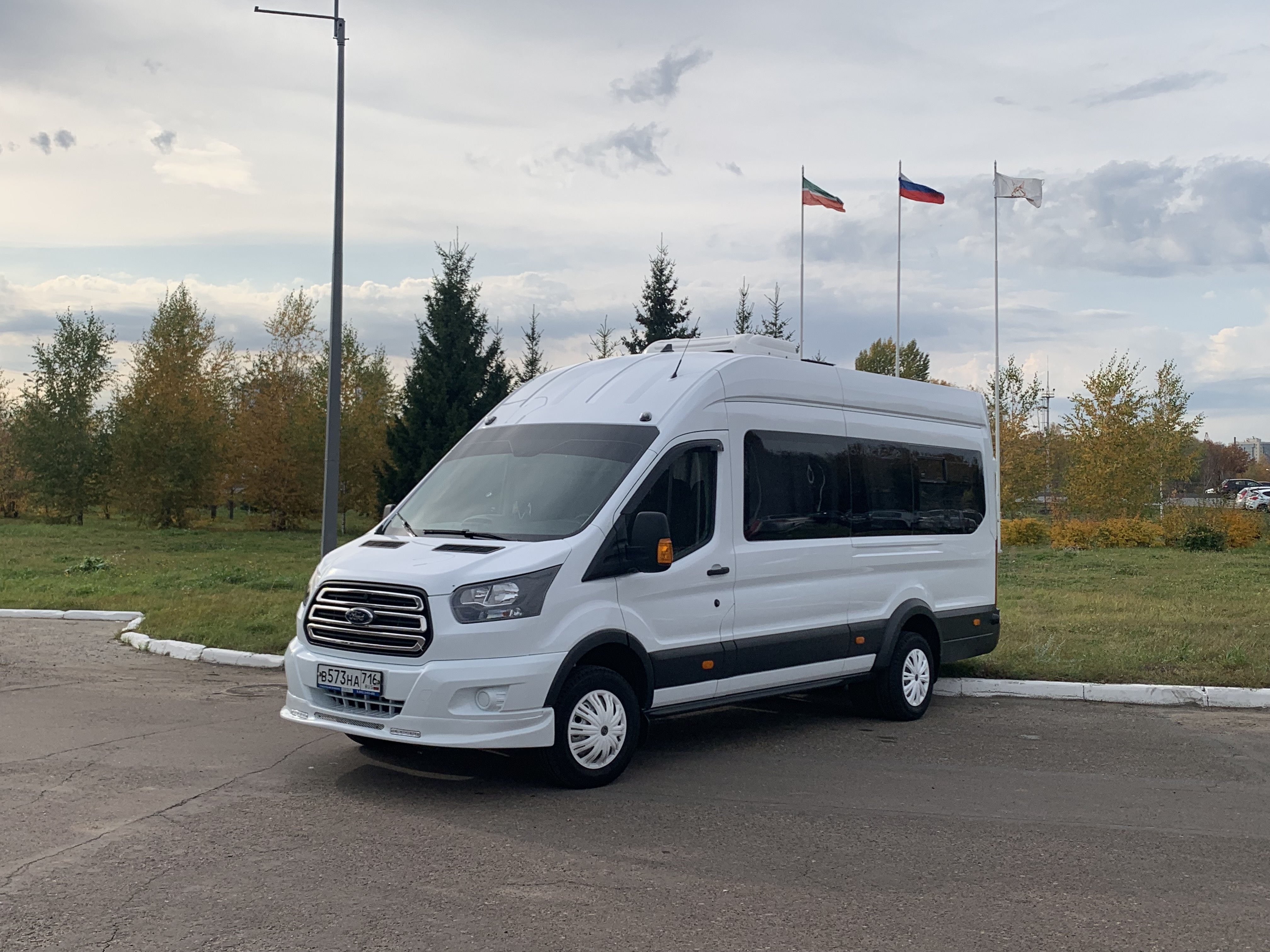 Заказ микроавтобуса Ford Транзит в Казани